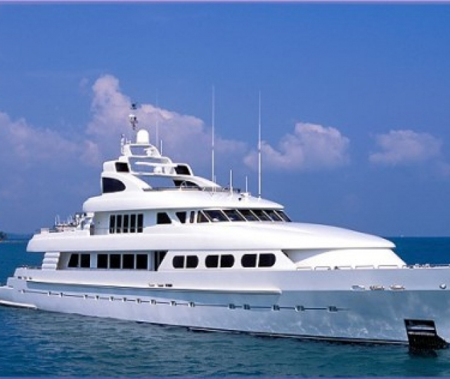 Megayacht Insurance from Marine Underwriters